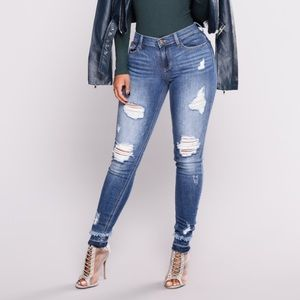 Fashion Nova • NWOT Ripped Denim Skinny Jeans